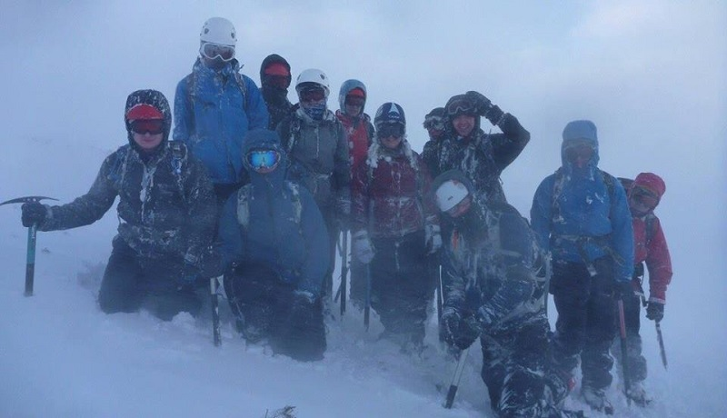 winter survival skills coaching scotland cairngorms